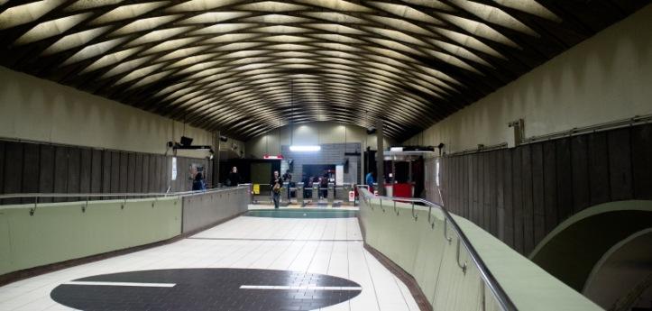 empty-metro