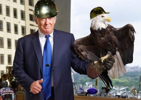 trump-gold-helmet